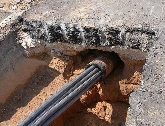 Прокладка кабеля в трубах