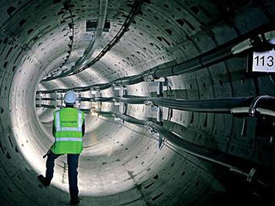 прокладка кабеля в тоннеле
