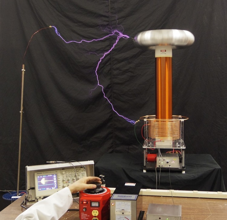 Solid State Tesla Coil катушка