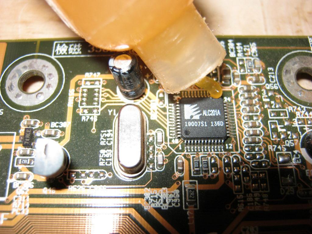 Пайка микросхем с флюсом